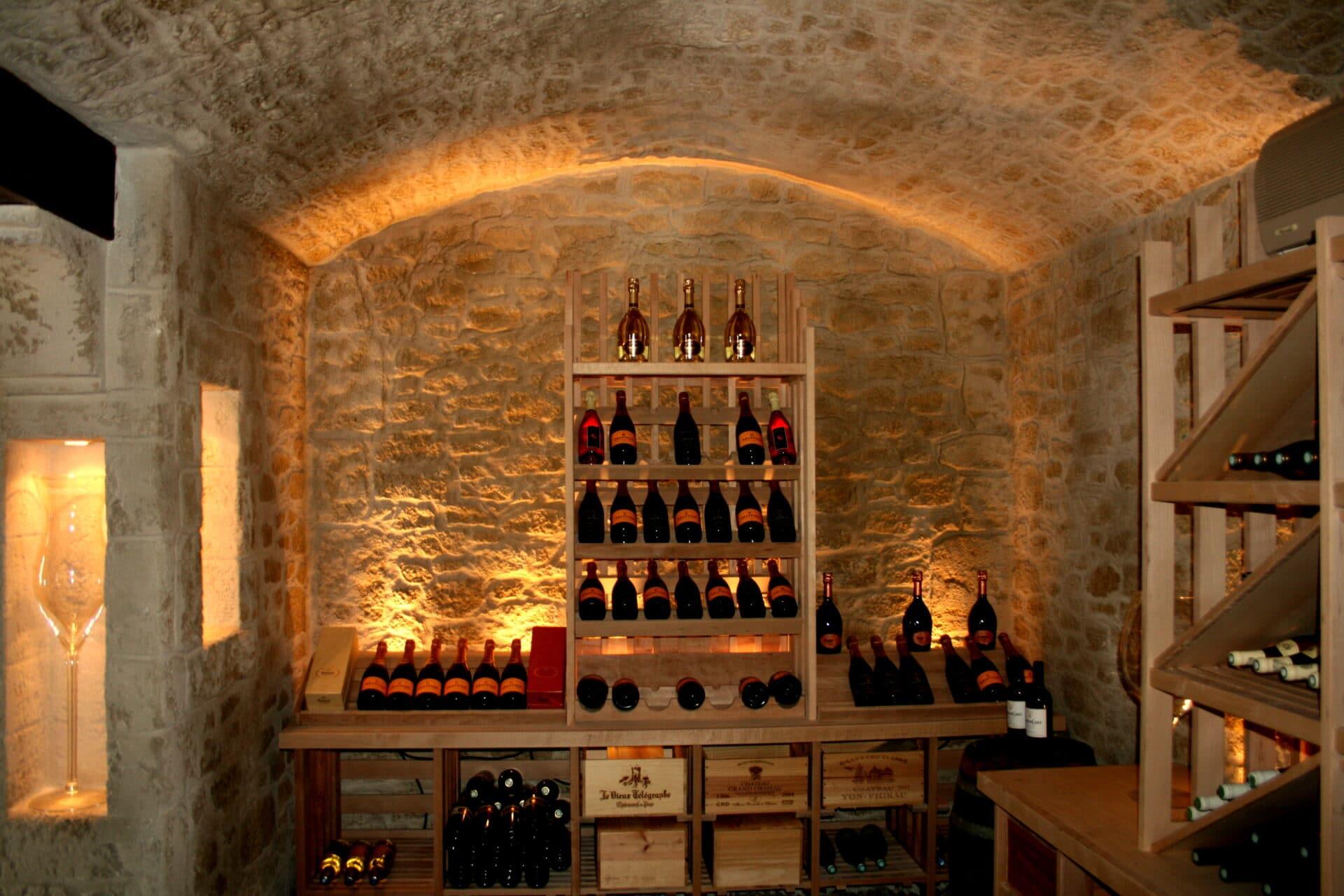 Isoler Une Cave A Vin décoration d'une cave à vin avec l'enduit decopierre®